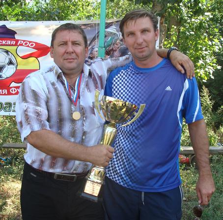 Тренеры ФК «Ника» (Новоберёзовка) Абашеев Дмитрий Владимирович и Казаков Владимир Васильевич