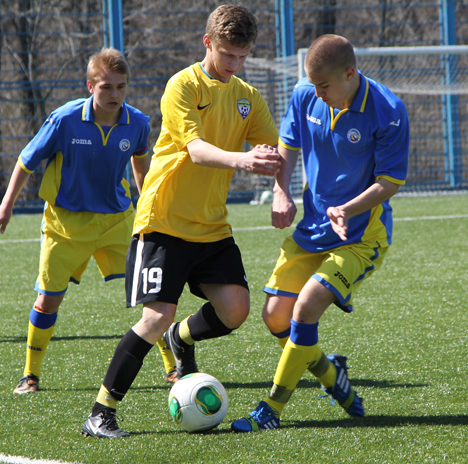 Команды по футболу станицы Грушевская - «Олимп» и «Арсенал»