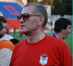 нападающий СКА и сборной СССР Виктор Понедельник
