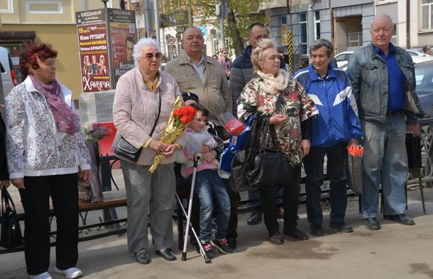 Открытие мемориальной доски в честь легендарного донского футболиста Виктора Одинцова