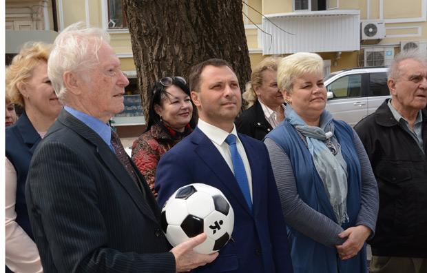 Вениамин Искра стал инициатором открытия мемориальной доски Одинцову
