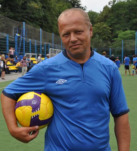 Александр Тихонов детский тренер по футболу Ростов